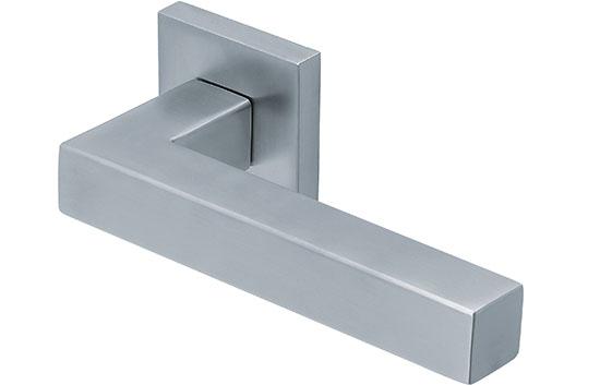 scoop slidebloc türdrücker form 1002 in edelstahl matt auf quadratrosette