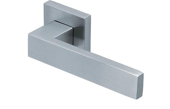scoop slidebloc türdrücker form 1005 in edelstahl matt auf quadratrosette